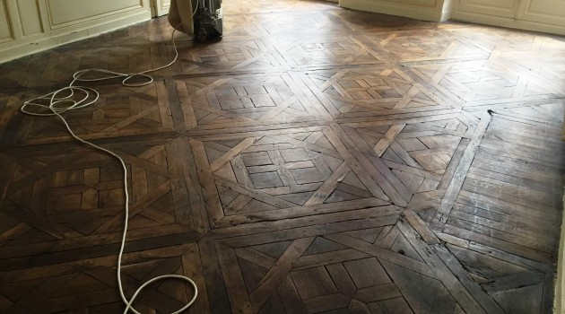 R novation parquet versailles guesneau r novation - Restauration parquet ancien ...